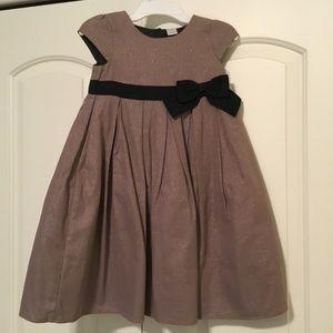 Beautiful little girl's dress size 5